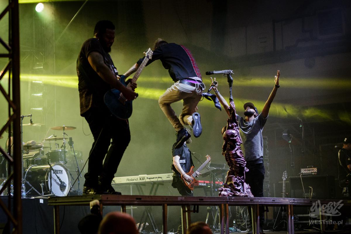 #61 Machine Gun Kelly x Live Band, Machine Gun Kelly ROAD TRIPPIN TOUR @ Warszawa, 2015